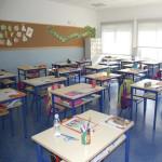 305_Montagem cadeiras escolar