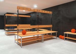 Banco balneário com réguas madeira de pinho, Banco vestiário com cabides alumínio