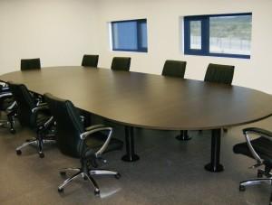 Mesa reunião oval 6000x1800x750mm melamina wengue