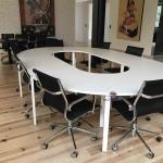 Mesa reunião oval melamina branca  571