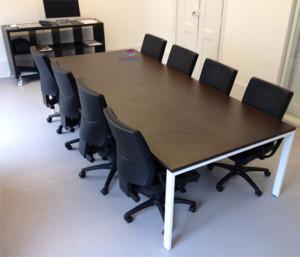 Mesa reunião retangular 3000x1200x750mm branco tampo melamina wengué