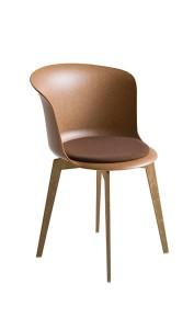Cadeira Épica, fixa, casco e estrutura fabricada em tecno polímero, com painel do assento com estofo BEP.200