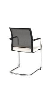 Cadeira Modena, costa em rede, estrutura cromada com braços em PP, assento com estofo BMO.400