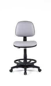 Cadeira Red, costa baixa, mecanismo de contacto permanente, amortecedor alto com apoio de pés em nylon BRE.300