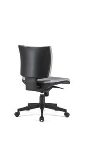 Cadeira Zeus, costa BAIXA, mecanismo sincronizado, com possibilidade de bloqueio em cinco posições e regulação da costa em altura, base piramidal em nylon BZU.503